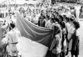 Upacara pengibaran bendera pusaka saat Proklamasi RI